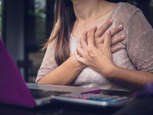 Las recomendaciones dietéticas a seguir deben ir dirigidas a reducir el riesgo cardiovascular a través de diferentes mecanismos.