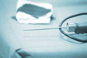 El uso de la artroscopia está delimitado a cirugías de determinadas especialidades, sobre todo traumatología y cirugía general.