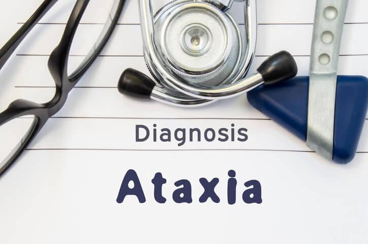 Es difícil la detección precoz de la ataxia hasta que no empieza a dar síntomas. Sólo en los casos con una base hereditaria se realiza un estudio.