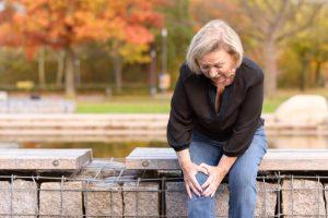 El diagnóstico para el tratamiento de la condrocalcinosis comienza con un examen físico y valoración de su historial clínico.