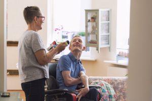 Por lo general, los pacientes que son diagnosticados por esclerosis lateral amiotrófica tienen una esperanza de vida entre los 3 y los 6 años.