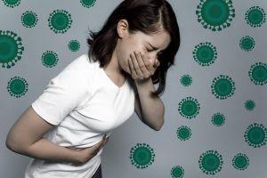 La vacuna contra la fiebre tifoidea tiene un precio aproximado de 12 €., aunque puede elevarse a 18€ si la vacunación se realiza en un centro internacional.