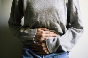 La salpingitis es la inflamación de las trompas de Falopio, generalmente secundaria a un proceso infeccioso.