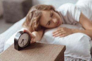 Si duermes mal o tu sueño no es reparador consulta con tu médico y trata de poner en práctica los consejos no farmacológicos. En caso de precisar medicación, resérvala sólo para aquellos días en que te resulta totalmente imposible conciliar el sueño.