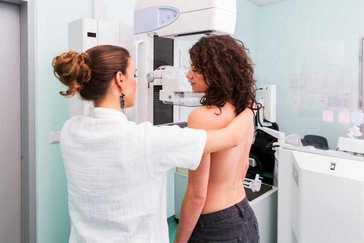 Qué Debes Saber Sobre la Mamografía