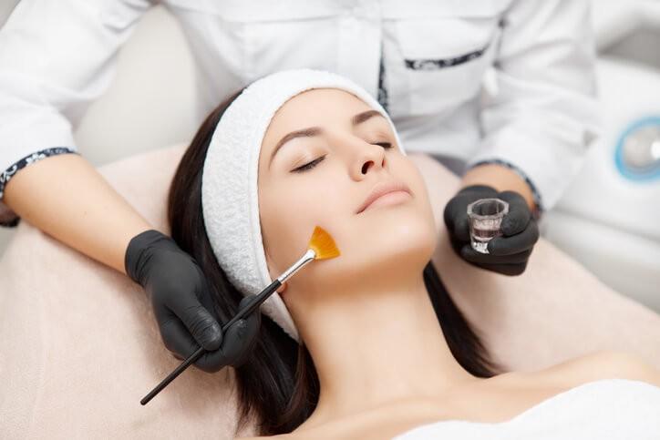 Tratamientos, Beneficios y Contraindicaciones del Peeling