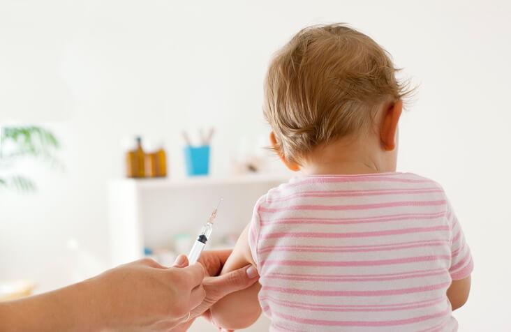 Qué Debes Saber sobre las Vacunas en Bebés