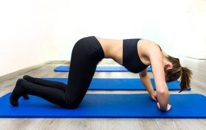 Los ejercicios hipopresivos consisten en un sistema de tonificación enfocado en la musculatura o faja abdominal y el suelo pélvico.