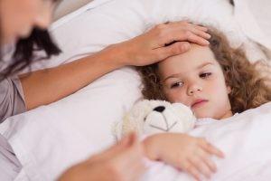El eritema es una infección vírica propia de la infancia, que no reviste gravedad. Puede reconocerse por una erupción o exantema muy característico