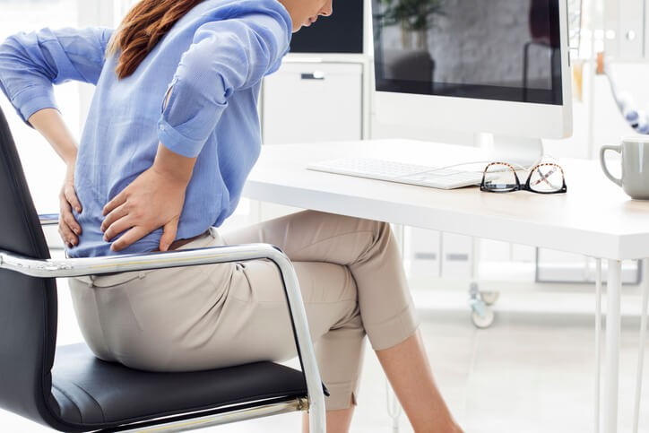 La lumbalgia mecánica se suele diagnosticar por la sintomatología presentada y la exploración física del paciente.