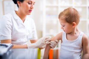 El microorganismo causal de la meningitis bacteriana aguda puede ser relativamente predecible si tenemos en cuenta la edad del paciente o los factores de riesgo predisponentes