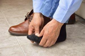 La metatarsalgia se caracteriza por un dolor ubicado en la planta del pie a nivel de la almohadilla que protege a las cabezas de los metatarsianos