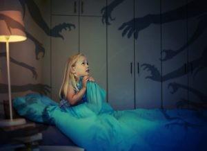 Los terrores nocturnos son más frecuentes si se tienen familiares con antecedentes o si se padecen trastornos de ansiedad.