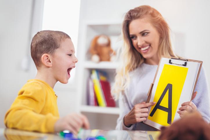 Logopedia en Niños, ¿Qué Opción es Mejor para Tus Hijos?