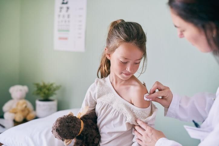 Inmunizar a los Niños en las Enfermedades más Comunes