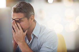 El cansancio, agotamiento o debilidad, es un síntoma que todas las personas conocemos y que hemos padecido a lo largo de nuestra vida en varias ocasiones.