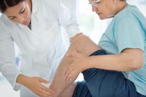 El dolor de piernas es un síntoma frecuente que puede estar causado por un calambre, una lesión músculo-esquelética o por la existencia de una enfermedad específica.
