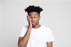 No existen tipos de malestar general, pero sí que se pueden presentar de diferentes formas: dolor leve generalizado, náuseas o malestar abdominal, ligero mareo, cansancio, debilidad...etc.