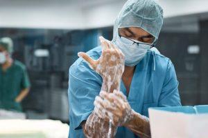 La técnica de rizolisis se realiza con anestésico local, que se pone sobre la zona que vayamos a tratar.