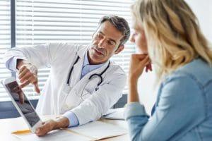 La colangiografía se utiliza para el diagnóstico y tratamiento de algunos procesos que afectan a la vía biliar o pancreática (cálculos biliares, estenosis o estrechamientos benignos, tumores, etc.).