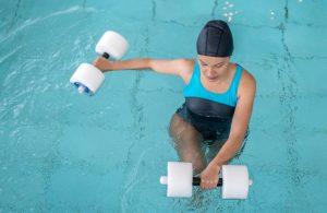La hidroterapia está indicada para tratar las patologías que puedan afectar al aparato locomotor y la movilidad de las articulaciones.