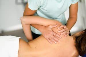 Existen distintas técnicas de masoterapia según los objetivos y la finalidad con las que se quieren aplicar: masaje transverso profundo, masaje del tejido conjuntivo, drenaje linfático manual, liberación miofascial,etc.