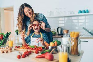Una dieta sana es aquella que proporciona una cantidad suficiente de nutrientes para mantener el equilibrio del organismo