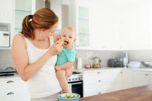 Es importante conocer con exactitud la edad de iniciación de la alimentación complementaria y en qué orden indicarla.