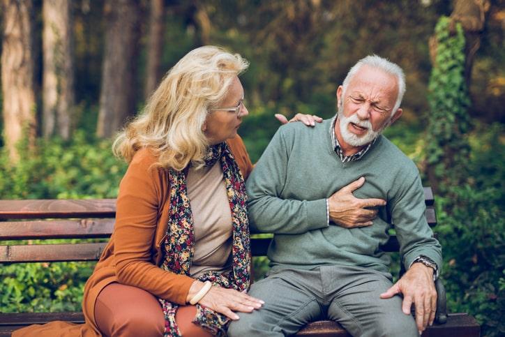 Qué hacer si a alguien le da un infarto