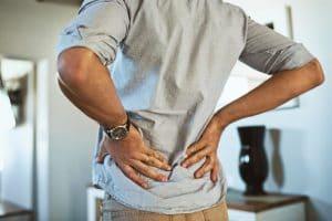 Se puede presentar malestar en la espalda o en la zona lumbar.